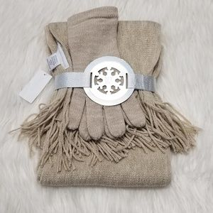 NY & CO Scarf and Mitten Set
